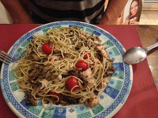 Pizzeria Can Bassetes: Espaguettis Estilo Can Bassetes
