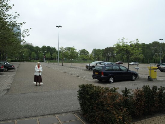 Mercure Hotel Zwolle : parkeringsplads, ingen vetaling ved overnatning