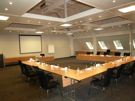 Mercure Hotel Zwolle : det store konferencerum