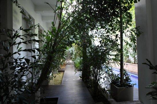 Casablanca Belle & Boutique: Le couloir qui mène aux chambres