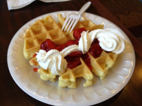 Homewood Suites by Hilton Boston - Billerica: Waffles, Part of Complimentary Breakfast