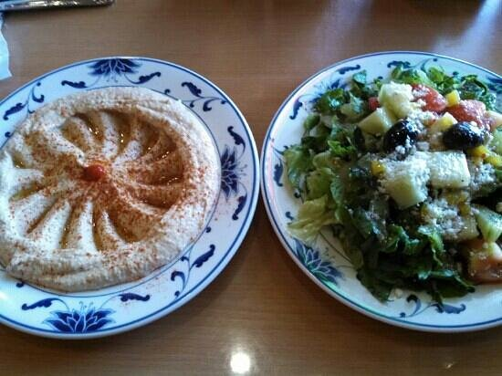 Cafe Mix Greek & American Food: Hummus & side salad