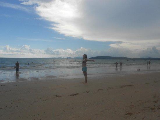 เจ. แมนชั่น: beach
