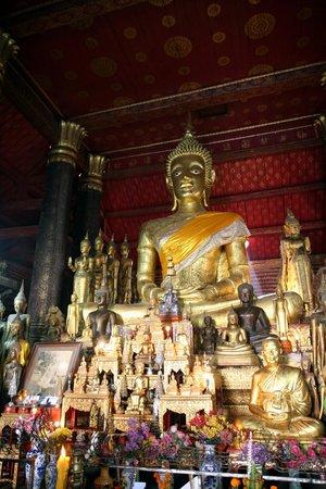 Wat Mai Suwannaphumaham 사진