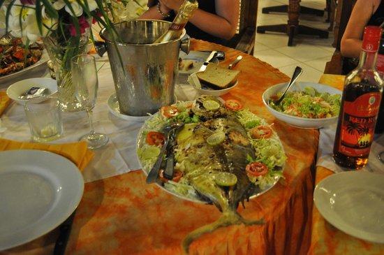Eva Lanka Hotel: Рыба на заказ)