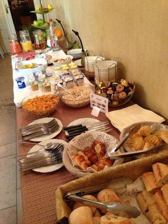 Hotel Le Maxime : Le petit déjeuner