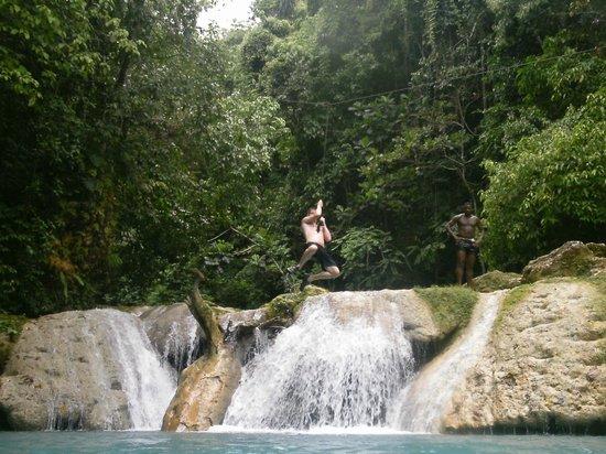 Blue Hole: Tarzan