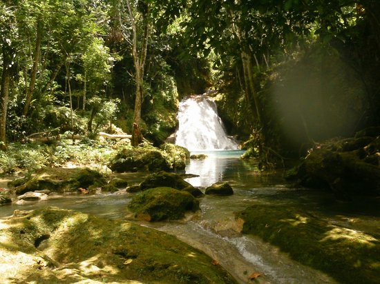 Blue Hole: Waterfall view