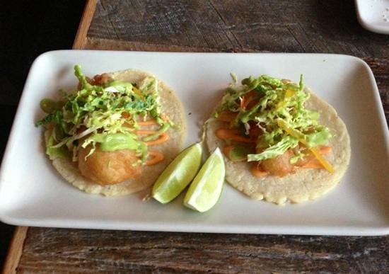 Mercado: fish tacos