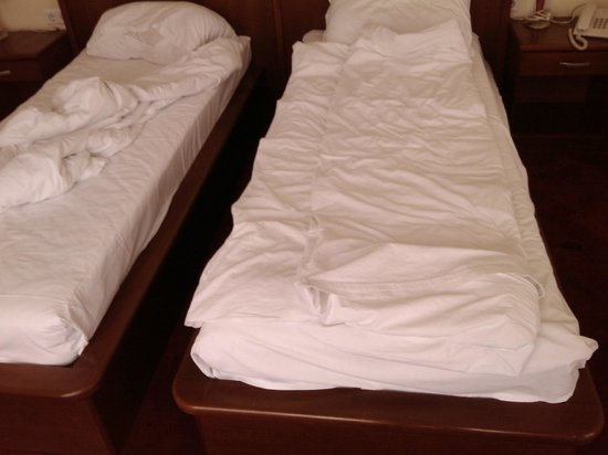 Hotel Astra Garni: Very narrow beds