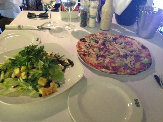 Tony's Spaghetti Grill: Tony's pizza & haloumi salad