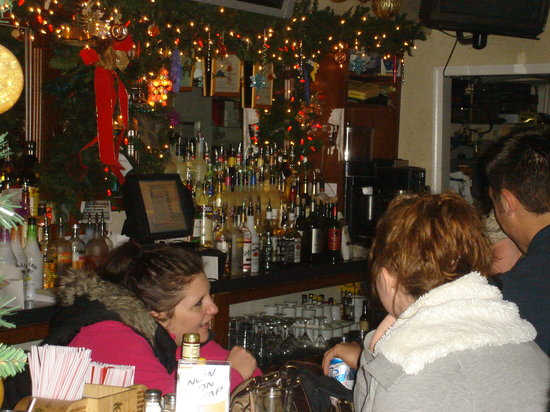 Doc's Riverside Grille: The bar with Kimmie