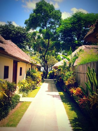 Belmond Jimbaran Puri: walkway to your room
