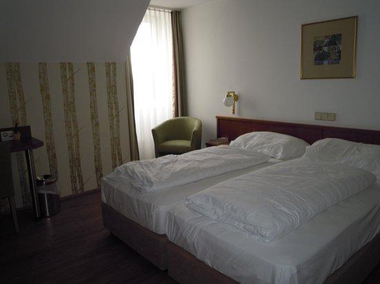Hotel Atlantis Vienna: Habitacion