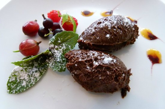 Gabriel's Cucina: Dunkles Olivenöl-Schokoladenmousse mit Fleur de Sel
