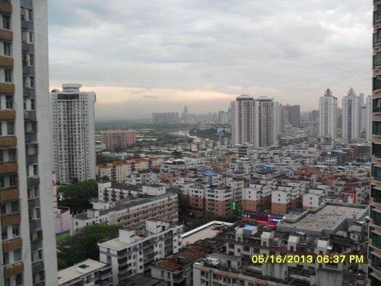 Vienna Hotel Shenzhen Theater: Western view from room.