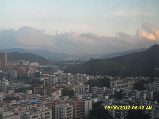 Vienna Hotel Shenzhen Theater: View from room...beautiful...quiet!