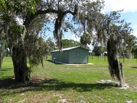 Immokalee Pioneer Museum at Roberts Ranch: Museum grounds