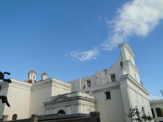 Calle del Cristo: San Juan Cathedral