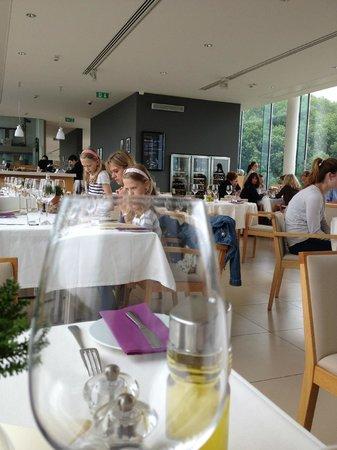 Viator Apátsági Étterem : La salle du restaurant