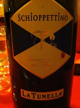 Osteria La Piola: SCHIOPPETTINO, ottimo vino
