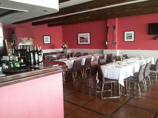 Restaurante e Pizzeria O Pirata: AMBIENTE AGRADÁVEL!!!!!!!!