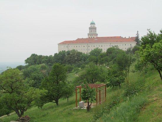 Viator Apátsági Étterem : l'abbaye