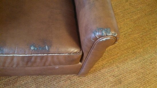 Homewood Suites St. Louis Chesterfield: Chair 1