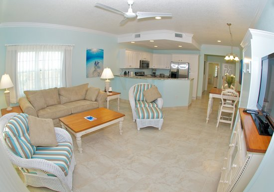 Compass Point Dive Resort : 1 Bedroom Deluxe Poolside