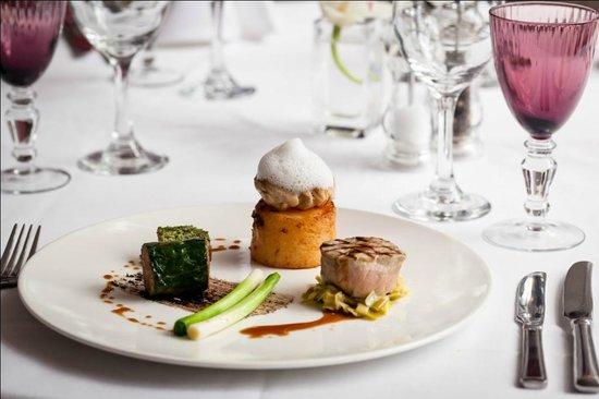The Wordsworth Signature Restaurant: 8