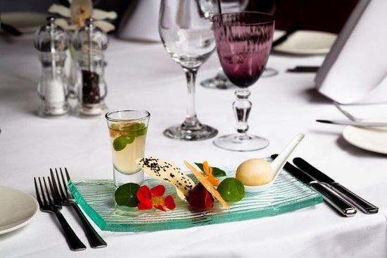 The Wordsworth Signature Restaurant: 3