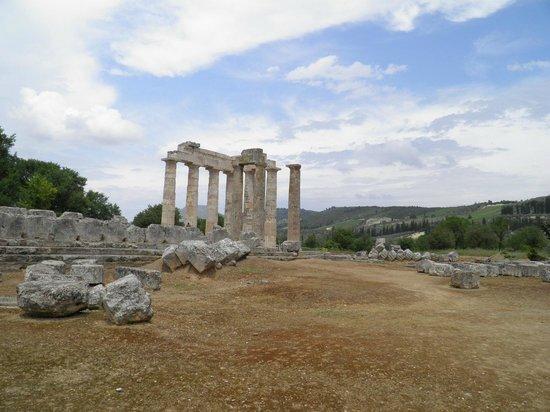 Ancient Nemea, Zeus Temple - Picture of Ancient Nemea ...
