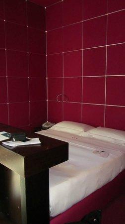 UNA Hotel Vittoria : Bett