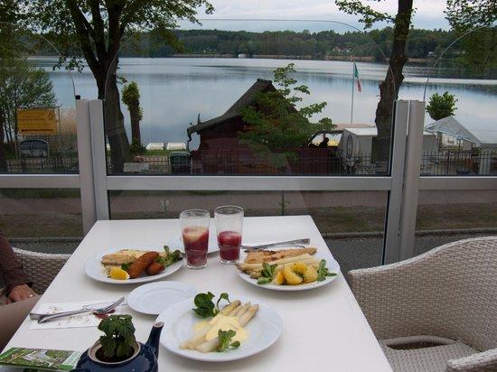 Strandhotel Buckow: Blick auf den See