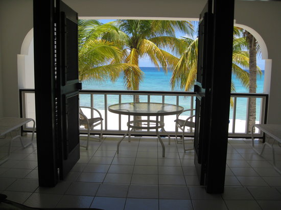 Blue Waters Beach Apartments: Fabulous view