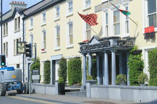 The Castlecourt Hotel: CastleCourt Hotel