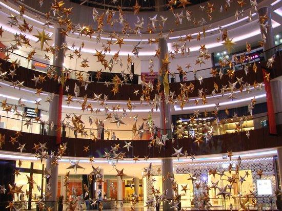 inside Dubai Mall - Picture of The Dubai Mall, Dubai ...