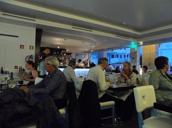Pizzeria Fratelli : Restaurant and Bar Area