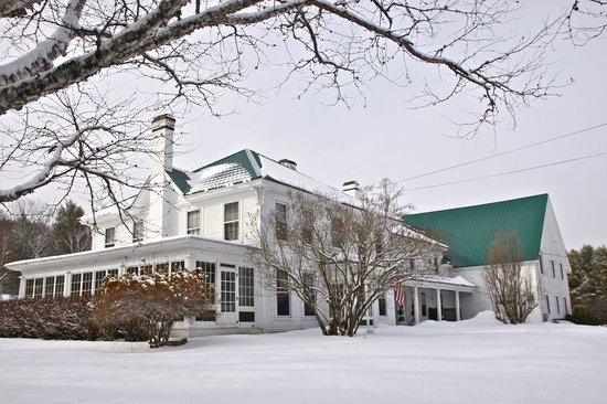 Greenwood Manor Inn: warm and cozy on the inside!