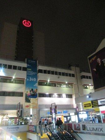 Sheraton Lima Hotel & Convention Center: Blick vom Einkaufszentrum aus
