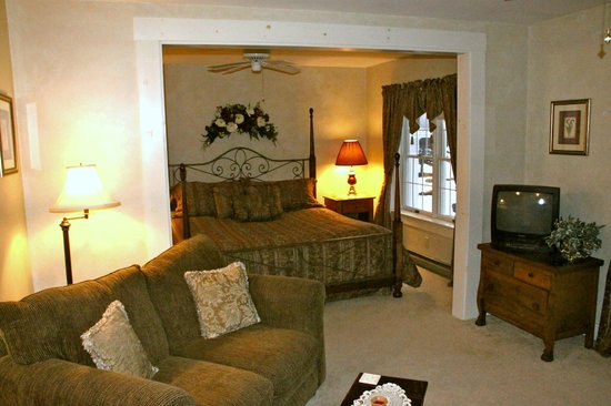Greenwood Manor Inn: Sweet Suite!