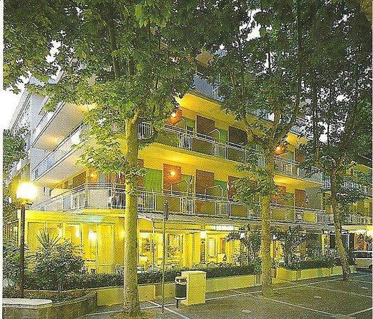 Hotel Arno: Ecco la Romagna che si sveglia