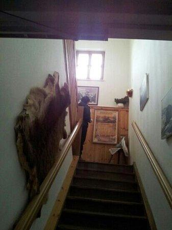 Schafbergspitze Hotel: Way to the room