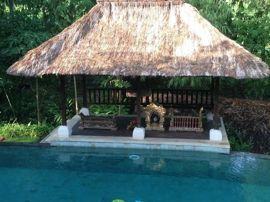 Plataran Canggu Resort & Spa: Balinese orchestra by the pool, one of the 'public' pools.