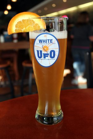 Harpoon Brewery: UFO White Unfiltered Wheat Beer