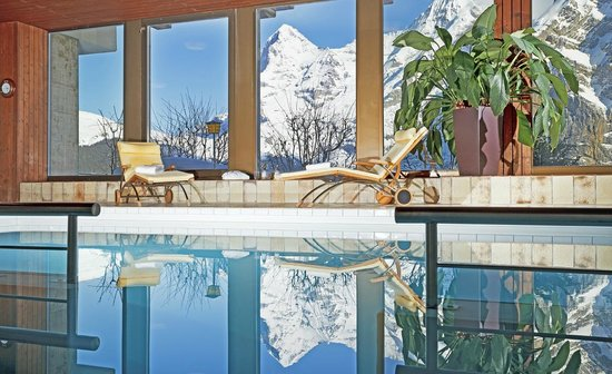 Hotel Eiger: Pool with view