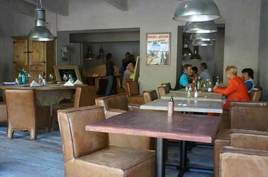 Au bistrot Marin : View of the inside of the restaurant