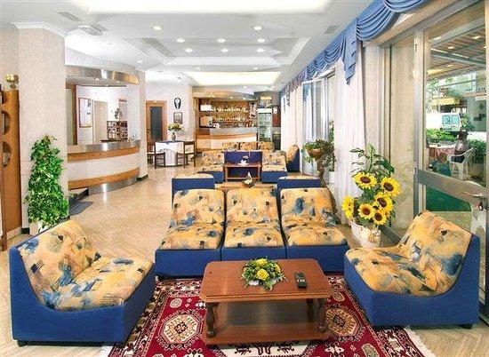 Hotel Arno: Hall