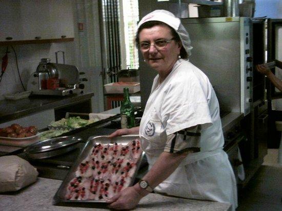 Hotel Arno : Vittorina in cucina