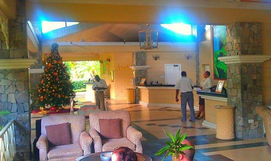 Sandals Halcyon Beach Resort: reception